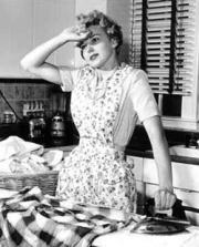 overwhelmed-mom-1950s